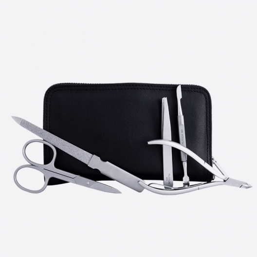 Black 5-piece manicure set